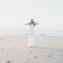 Hochzeitsfotograf: Strand Braut | WE WILL WEDDINGS | Hochzeitsfotografin Wien / Tirol - WE WILL WEDDINGS