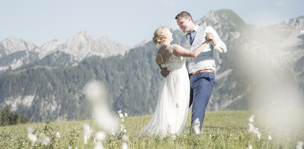 Hochzeitsfotos - Art des Shootings: Trash your Dress - Alpenregion Bludenz - Tanja Egger Fotografie